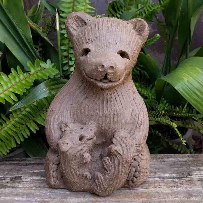 mama_bear_two_cubs_greenspace_15