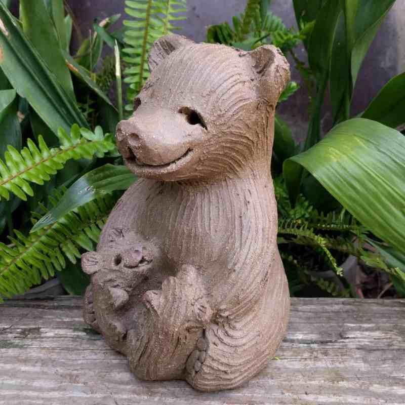 mama_bear_two_cubs_greenspace_4