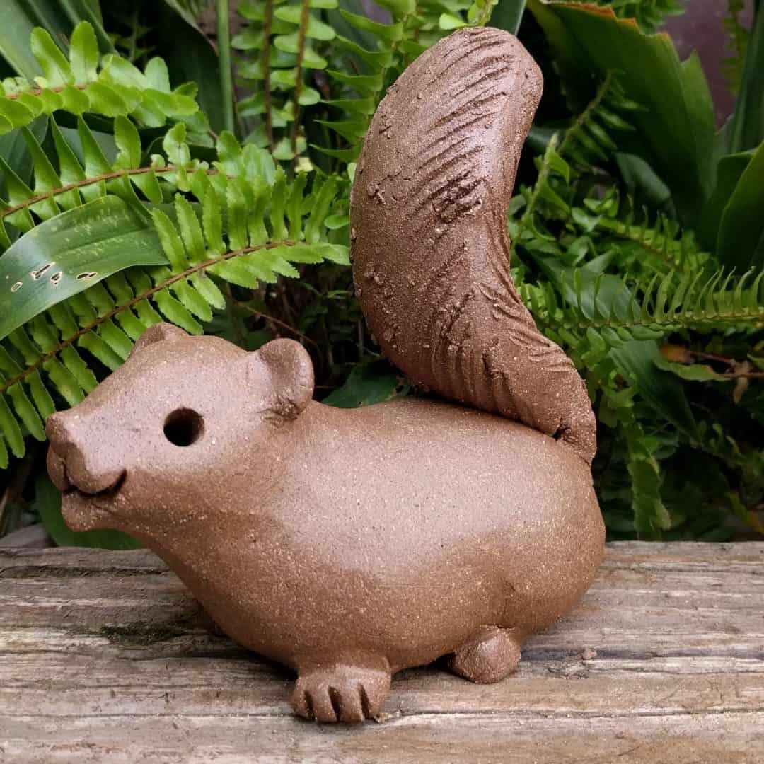 squirrel_scampering_large_greenspace_2