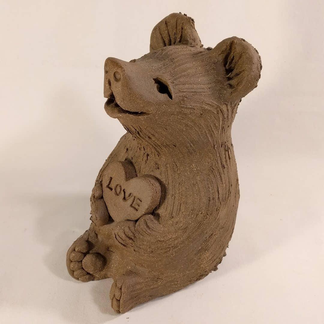 bear_holding_love_heart_whitespace_7