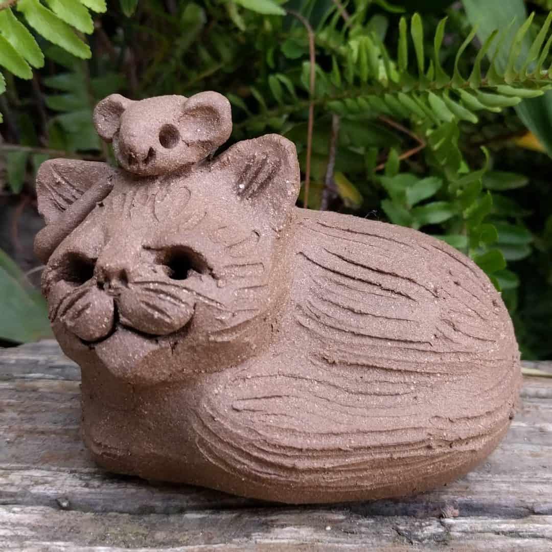 cureld_cat_mouse_head_outside_11