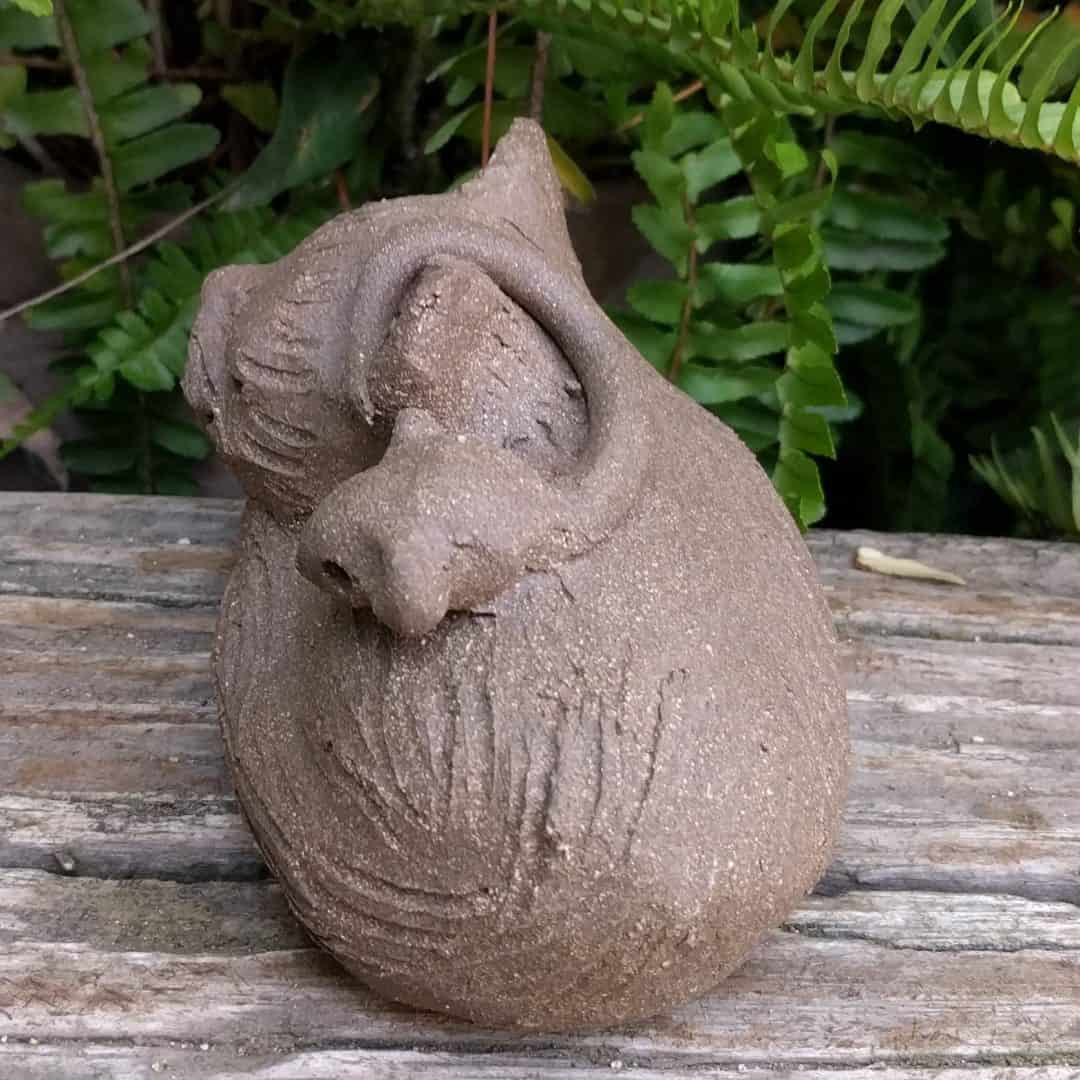 curled_cat_mouse_back_green_12