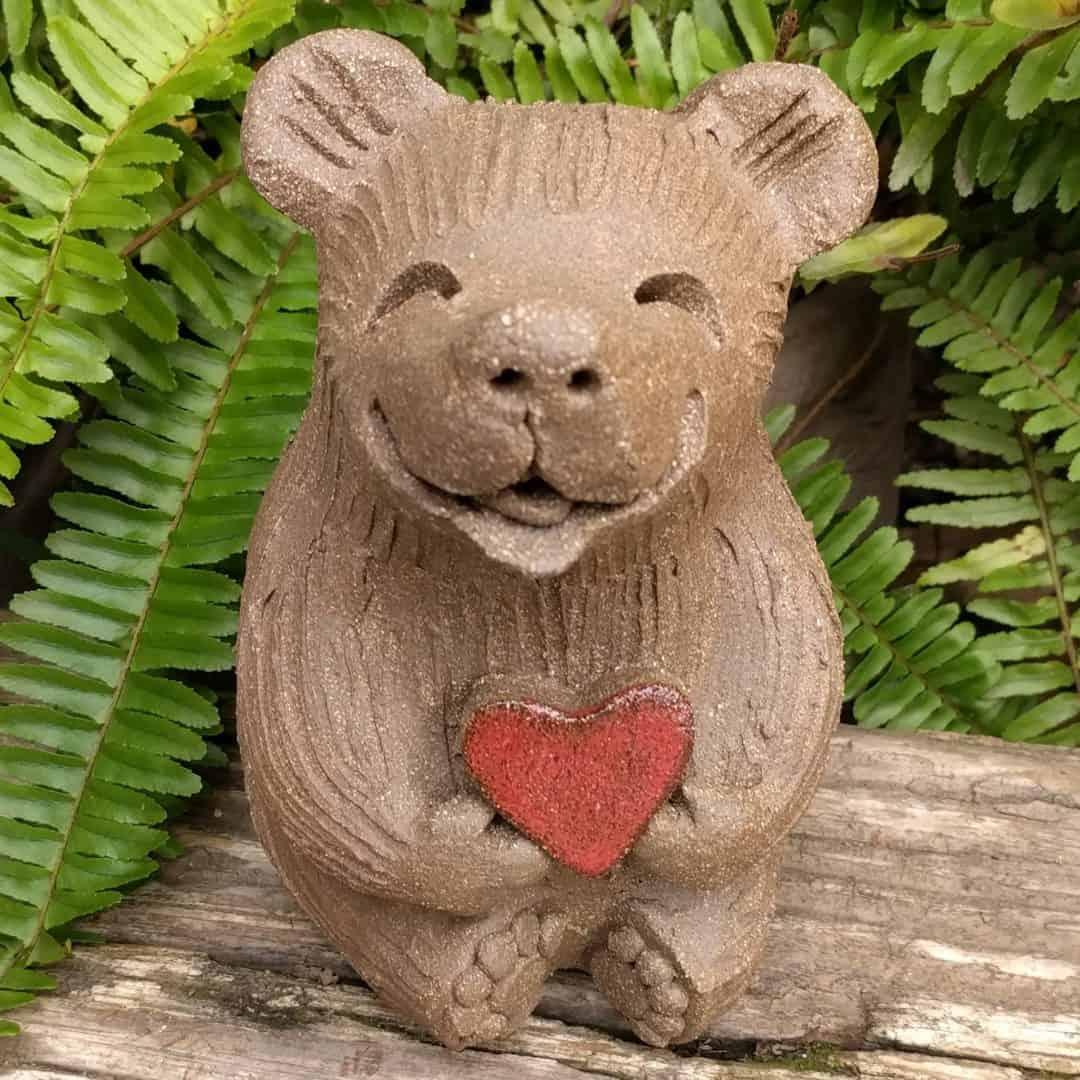medium_bear_heart_outside_2