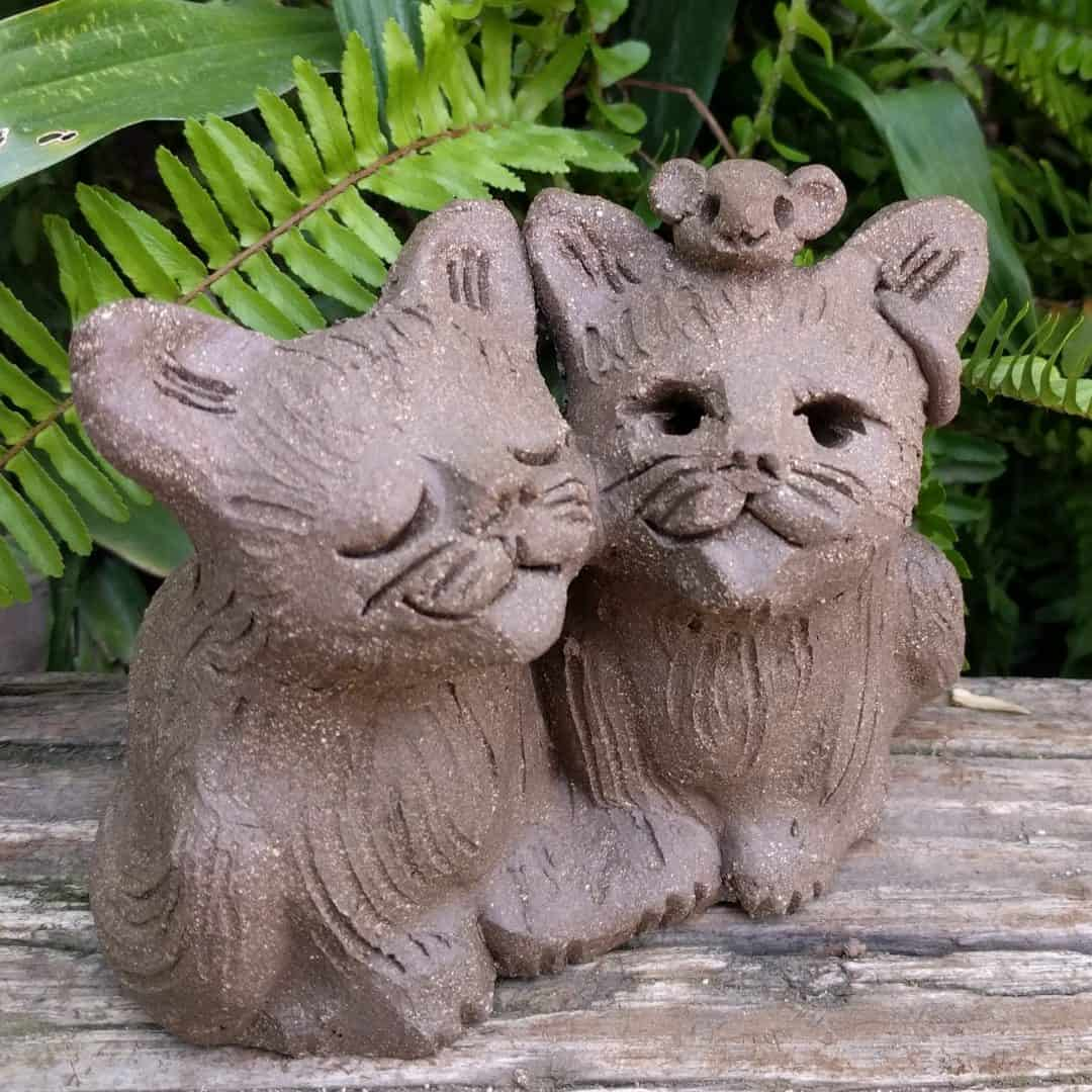 cat_pair_mouse_head_outside_11