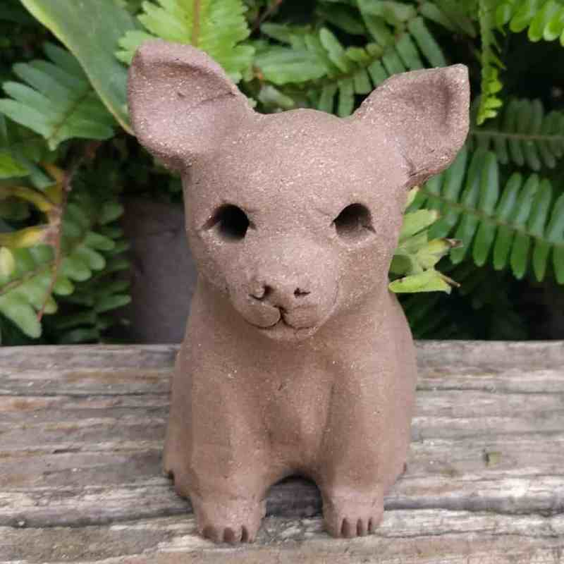 chihuahua-sitting-small-garden-sculpture-margaret-hudson-earth-arts-1024-12