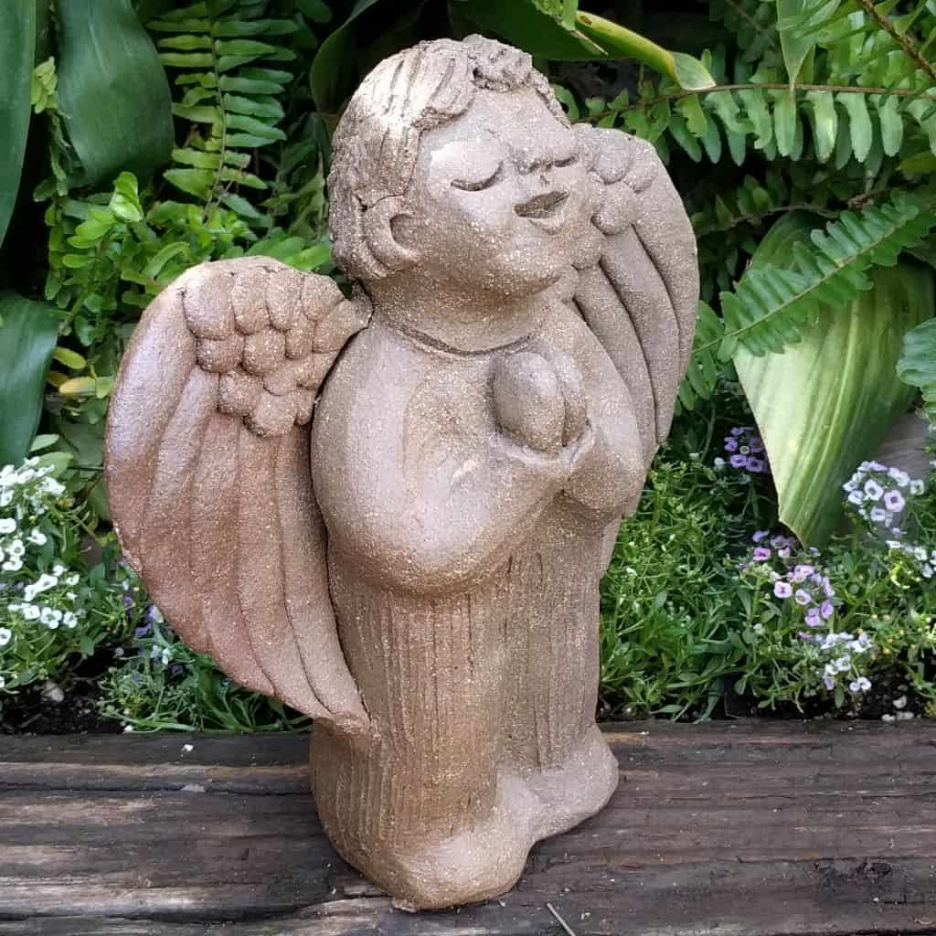 angel_boy_praying_small_green_1024_13