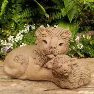clay-lion-and-lamb-laying-sculpture-small-garden-margaret-hudson-earth-arts-2