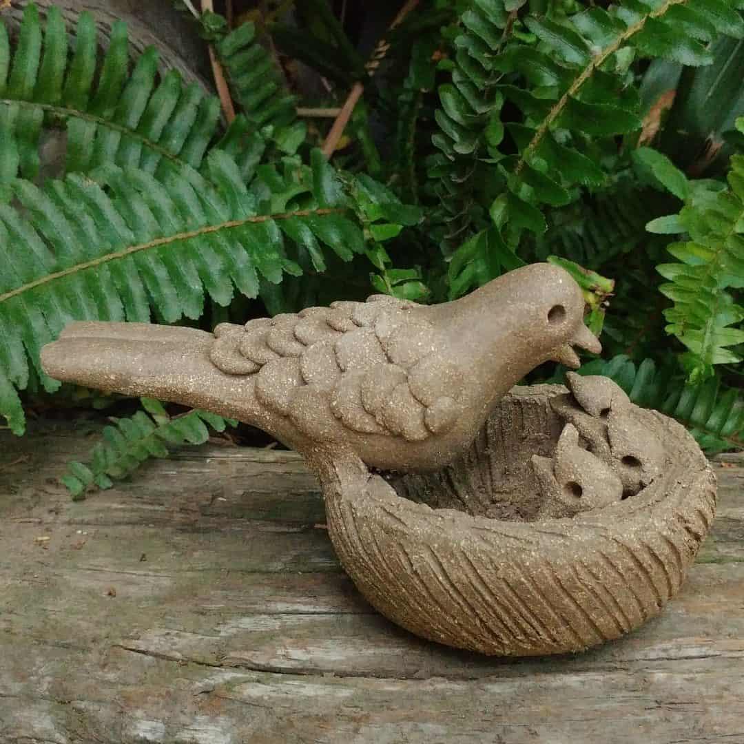 clay-mama-bird-feeding-chicks-in-nest-outdoor-sculpture-by-margaret-hudson-earth-arts-studio-8