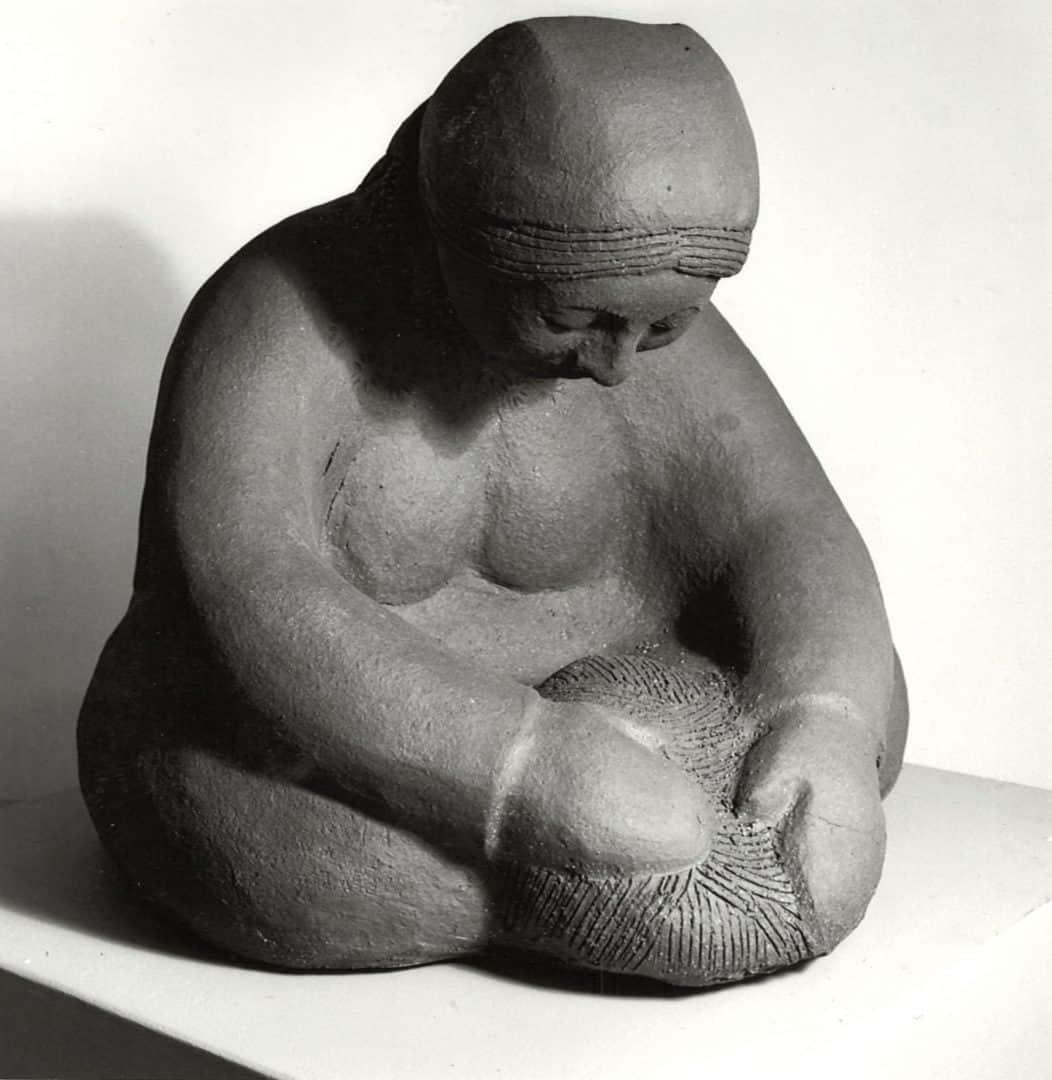 guatemalan-woman-making-bread-angle-2-2-margaret-hudson-scultpure