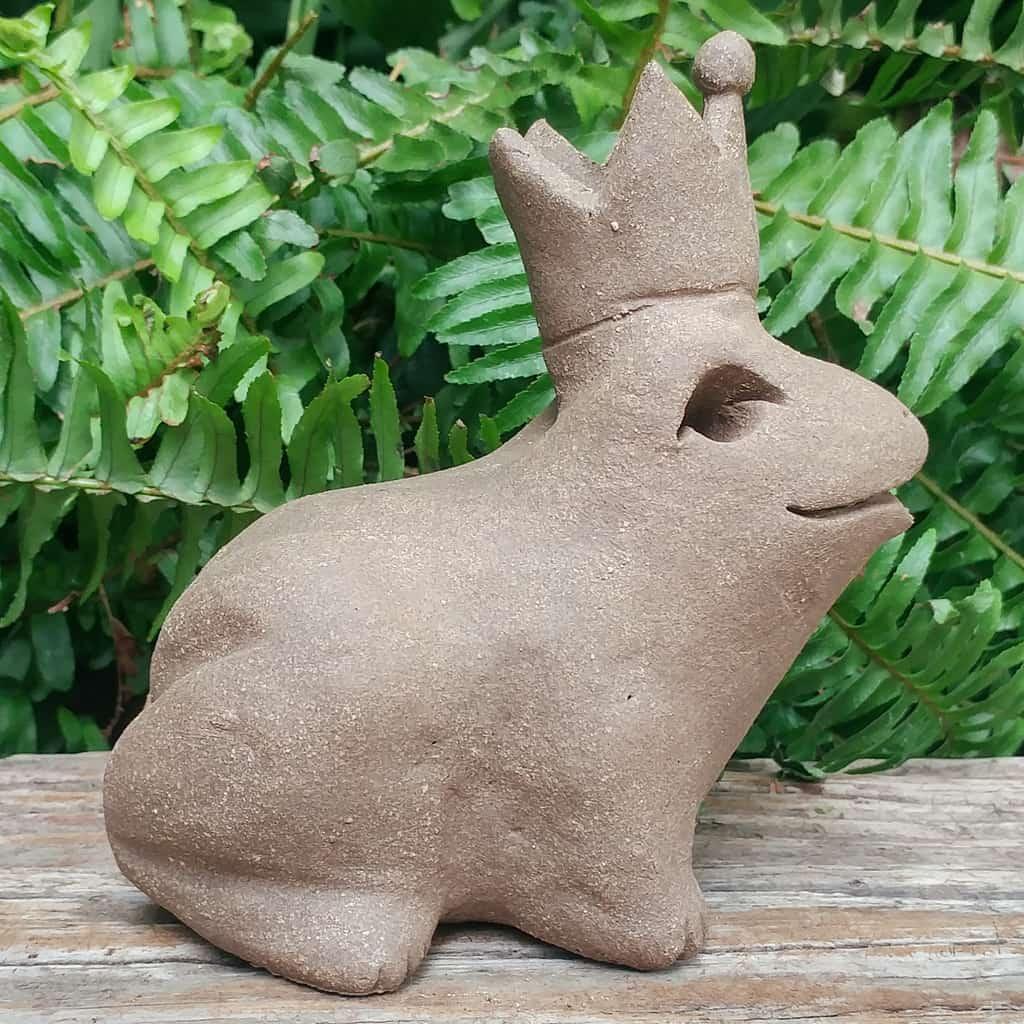 ceramic-frog-prince-1024px-garden-figurine-by-margaret-hudson-earth-arts-studio-3