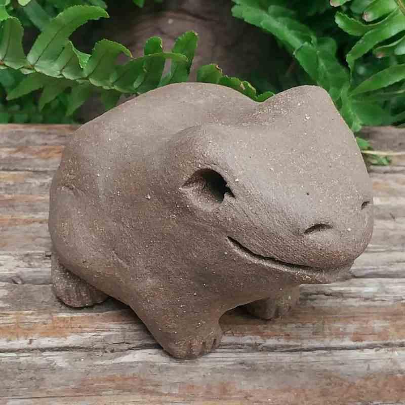 clay-medium-frog-1024-garden-sculpture-by-margaret-hudson-earth-arts-studio-3
