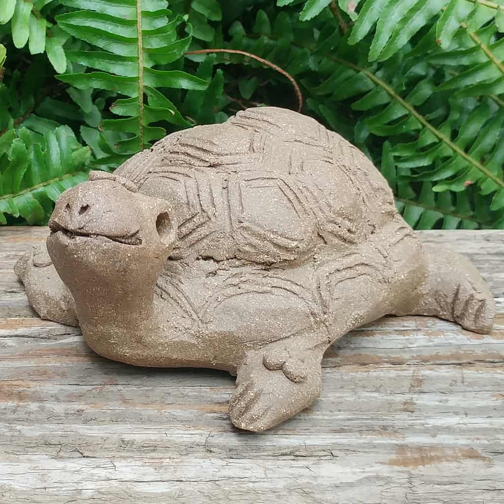 clay-medium-turtle-1024px-garden-sculpture-by-margaret-hudson-earth-arts-studio-0