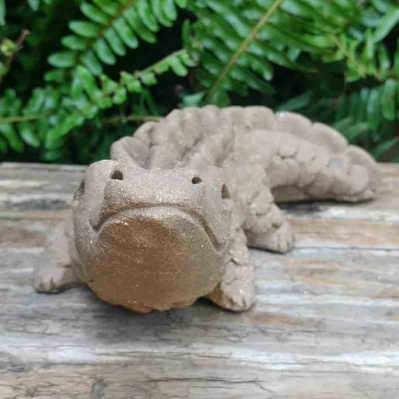 stoneware-alligator-small-outdoor-statue-by-margaret-hudson-earth-arts-studio-2