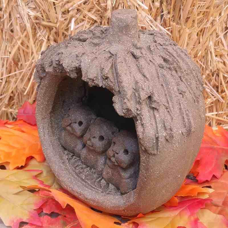pumpkin-pugs-side