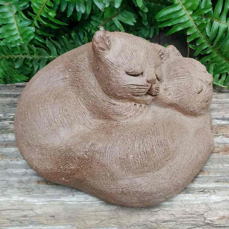 stoneware-cuddling-cats-garden-statue-by-margaret-hudson-earth-arts-studio-2
