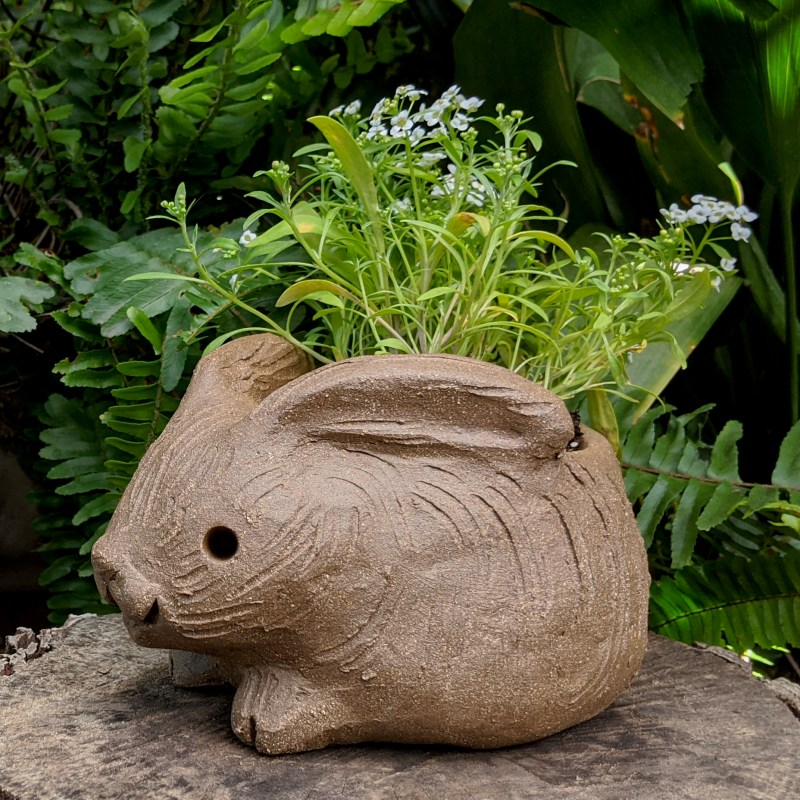 hunched-rabbit-planter-small-1