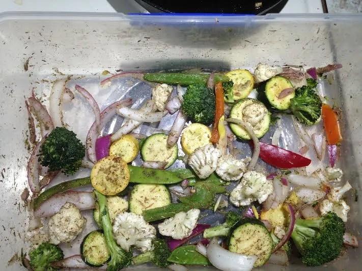 blackened salmon veggies