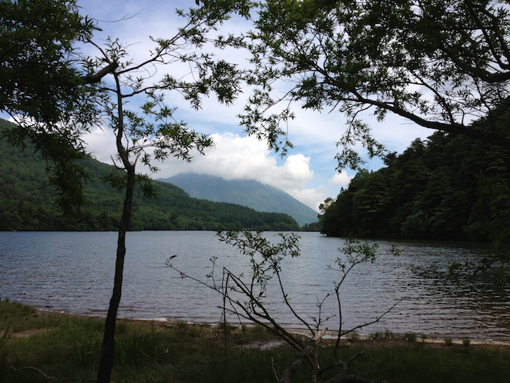 Lake Yu (yunoko) hiking path with Nantai Mountain in the background