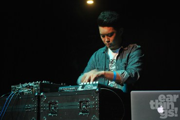 Intriguant's thirty-minute set introduced Filipinos to his entrancing take on electronica.