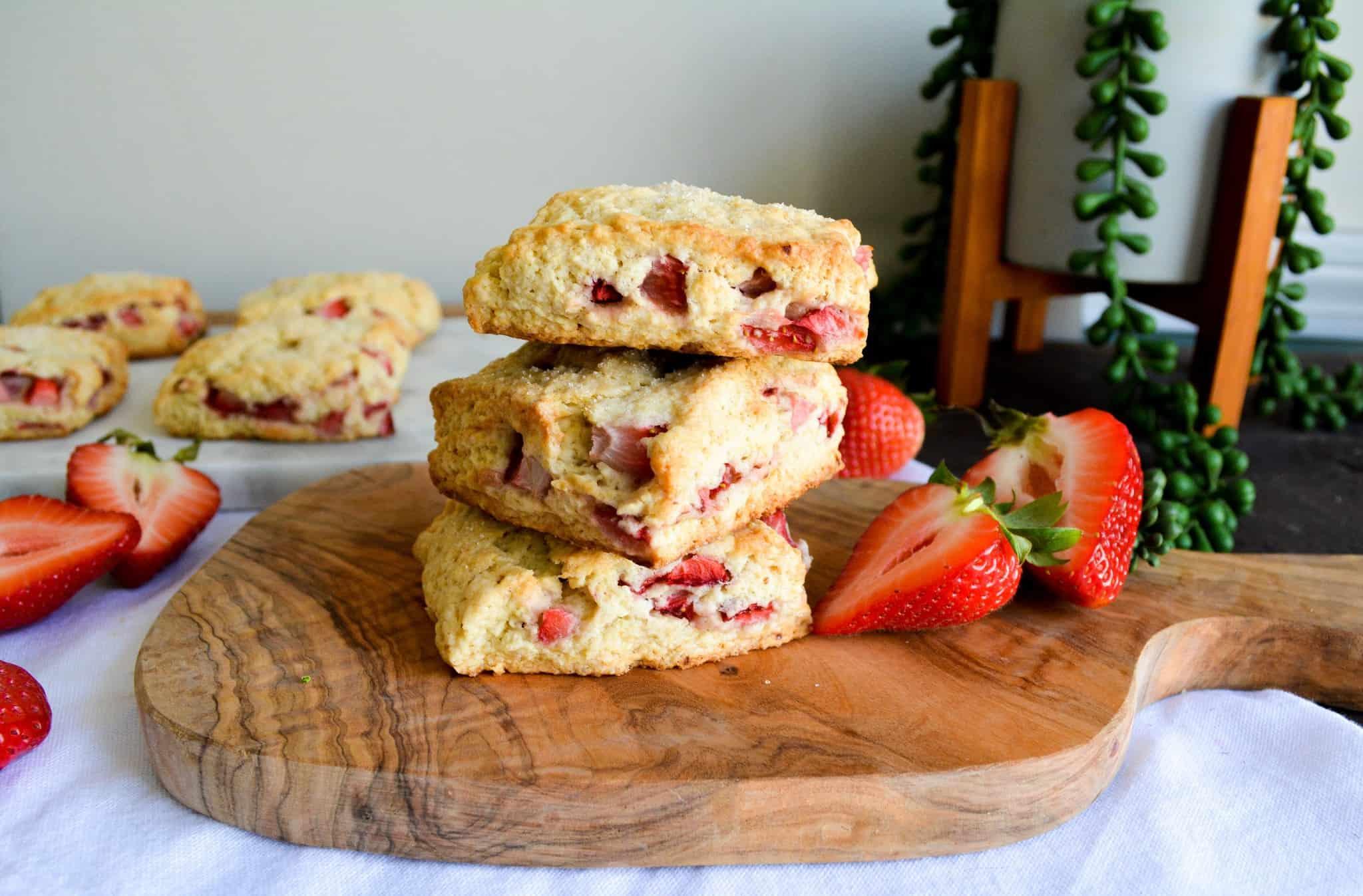 Fluffy Strawberry Vanilla Scones