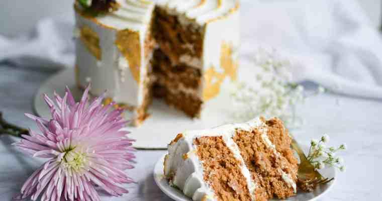 Honeycrisp Apple and Spice Cake