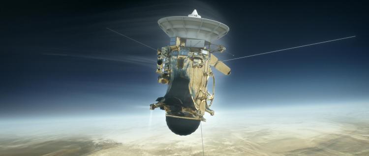 Cassini descending towards Saturn's clouds