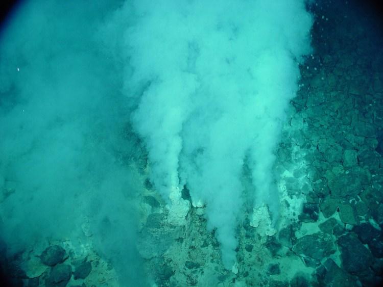 Deep-Sea Hydrothermal Vents - NOAA