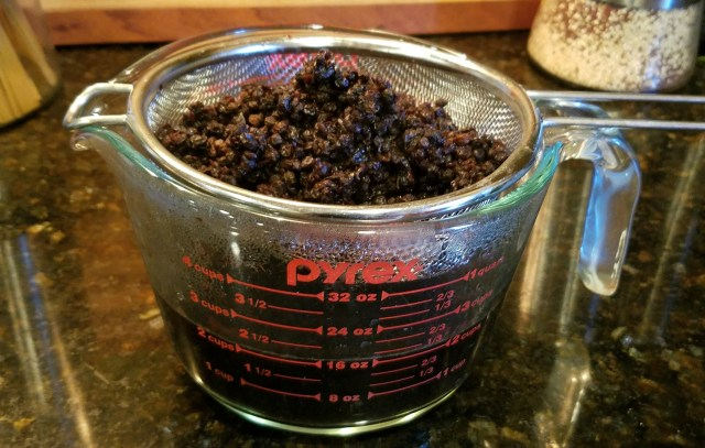 How to Make Instant Pot Elderberry Syrup
