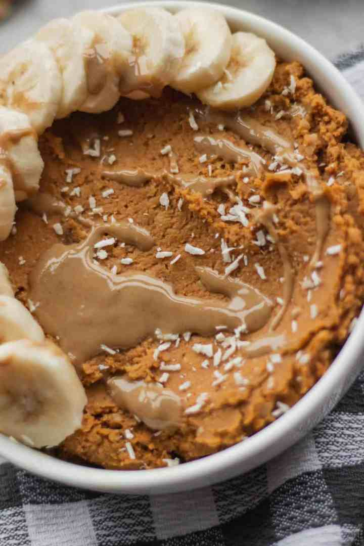 Sweet hummus with pumpkin and tahini