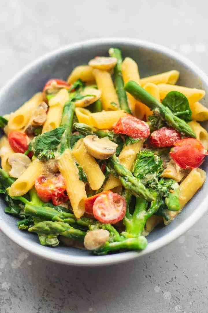 Creamy tofu pasta with vegetables