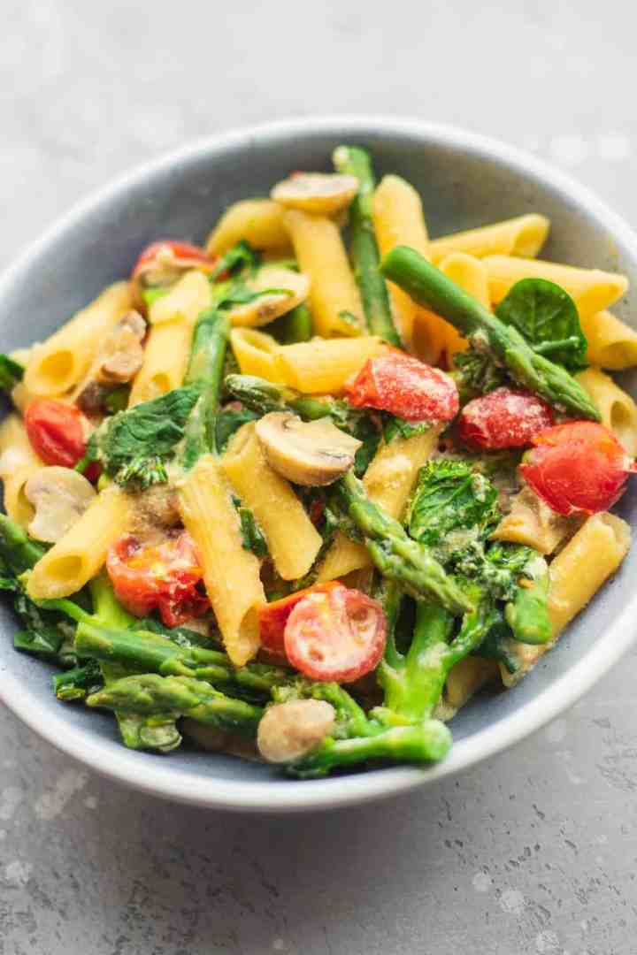 Creamy tofu pasta with vegetables
