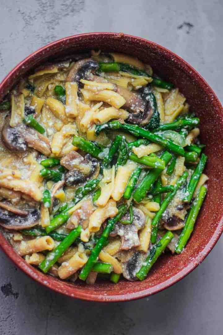 Vegan creamy tofu pasta