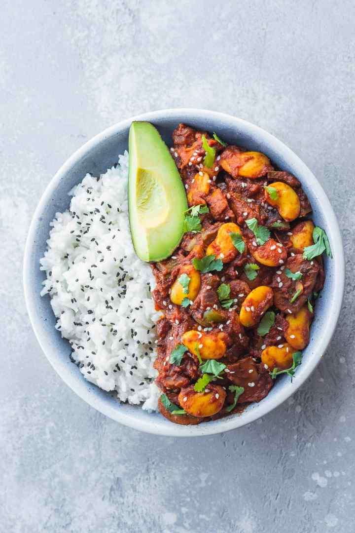 Vegan chili recipe with butter beans