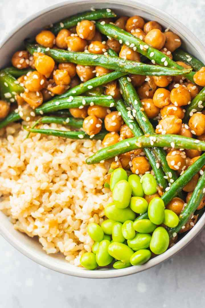 Bowl with sweet and sour chickpeas and green beans and edamame