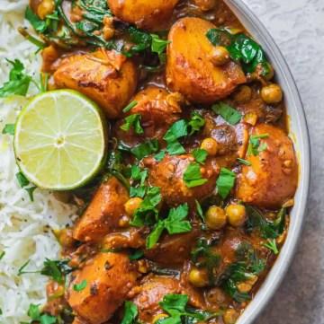 Easy vegan potato curry