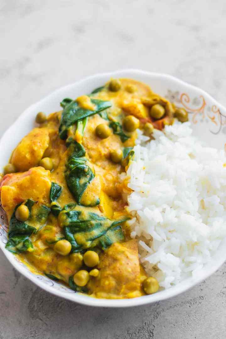 Bowl with vegan curry and rice