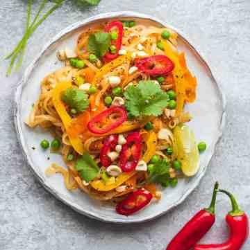 Vegan pad thai gluten-free