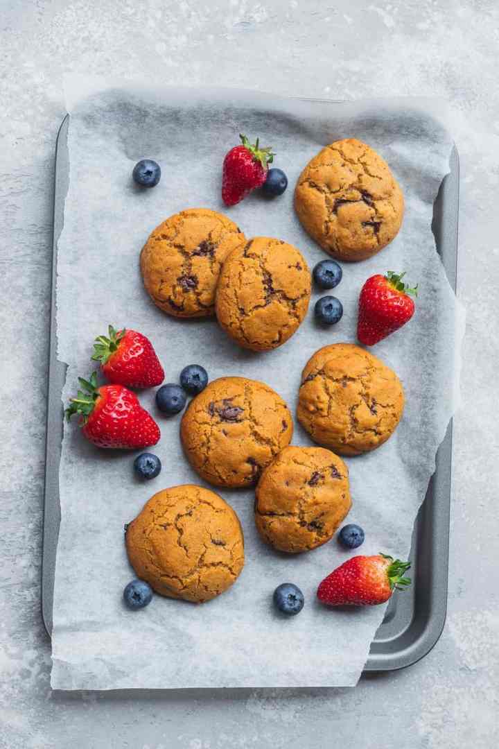 Flatlay with cookies and berries