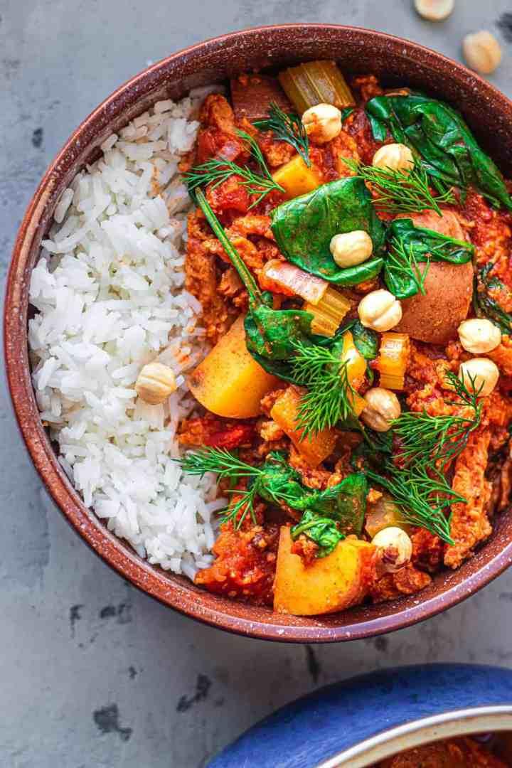Hearty vegan goulash recipe