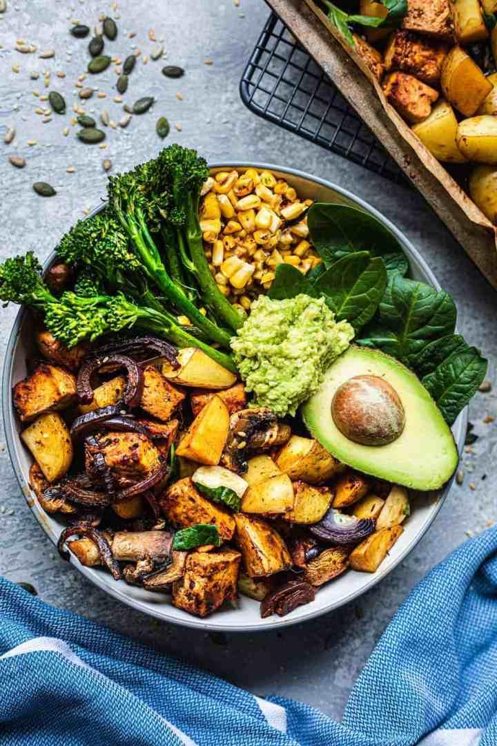 Vegan bowl with tofu and potatoes