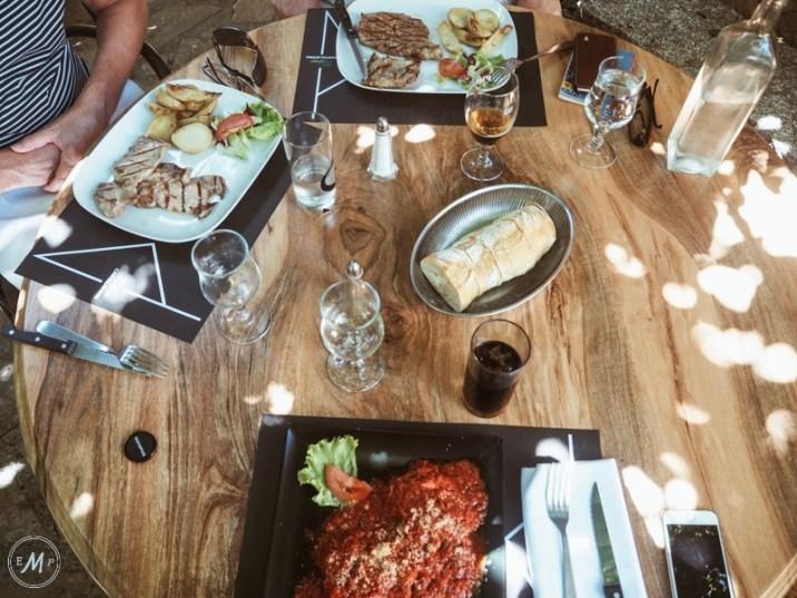 porto vecchio corsica restaurants le refuge
