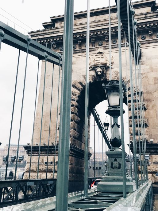 places to visit in budapest - chain bridge