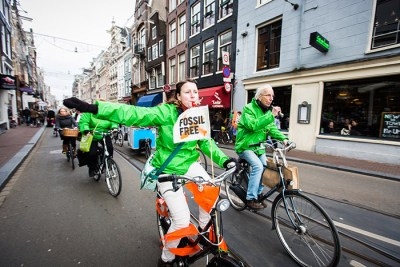 Divest sml 400x267 How are activists using divestment to fight climate change?