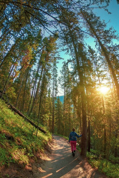 Hiking Johnston Canyon in Banff