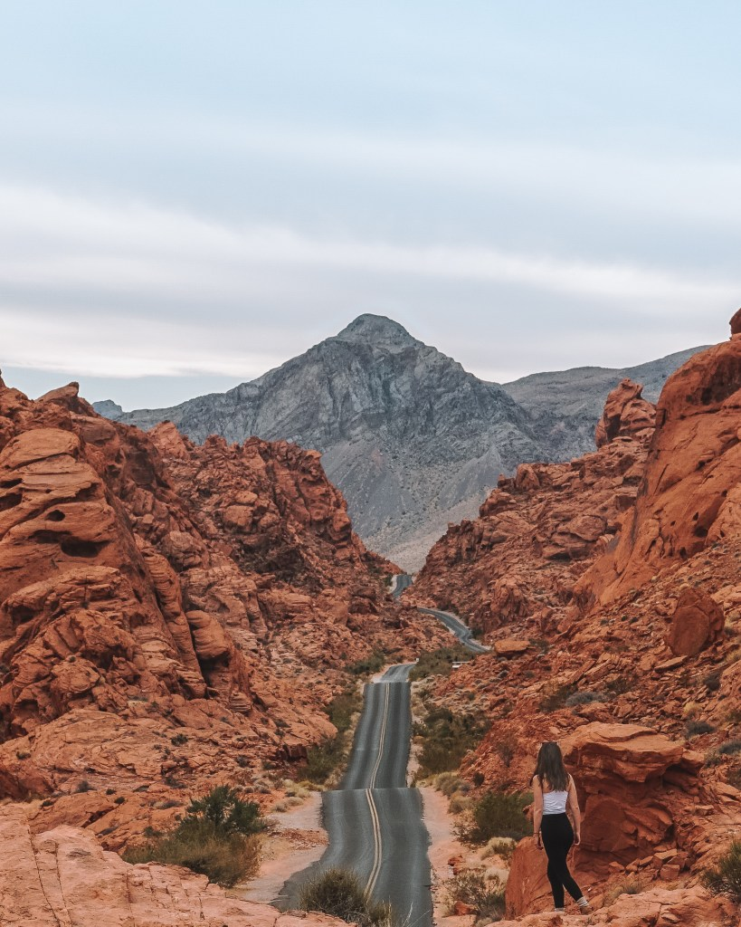 From Rainbow Vista trailhead to Mouse Tank Road view in Valley of Fire