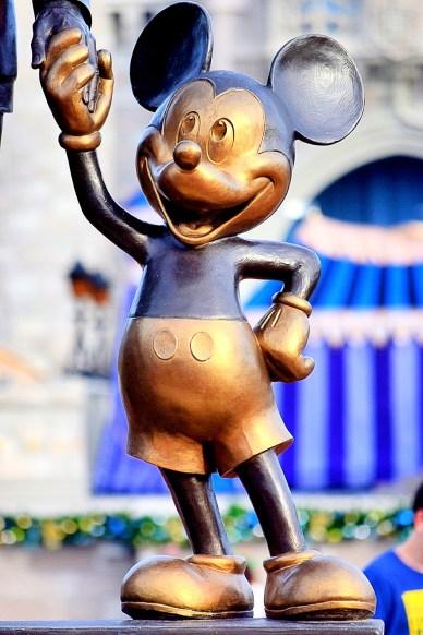 Mickey Statue Pic