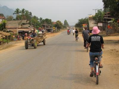 street-traffic-countryside.jpg