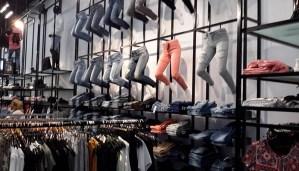 Ένδυση Easax Shop Systems