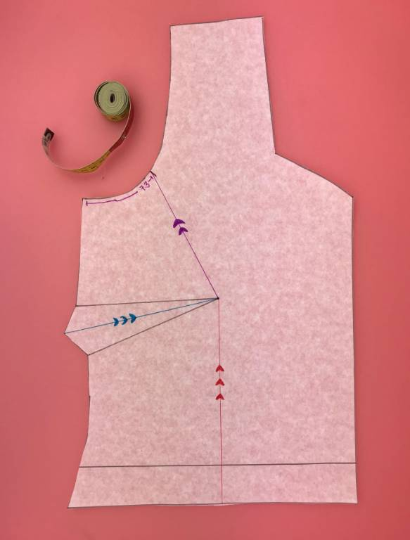 Tutorial for a full-bust adjustment for curvy sewists #fullbustadjustment #sewingtutorial