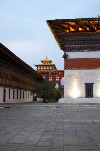 Inside Thimpu Dzong. Read more about Dzongs here: http://easeindiatravel.com/2012/06/27/bhutan-architecture-dzong/